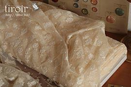 チュール 生地|ルシアン 可憐なバラや小花柄の刺繍レース
