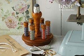 刺繍針や縫い針が入ったニードルケースとホルダー|サジュー Sajouの手芸用品